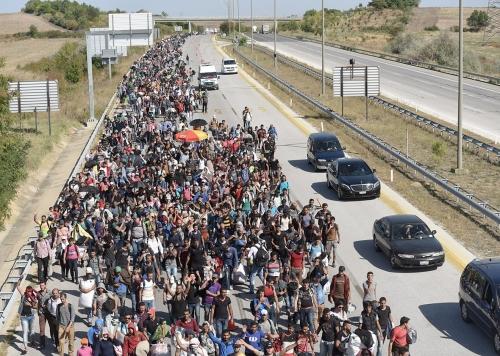 151112_POL_refugee-crisis